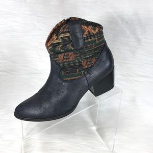 Unlisted Kenneth Cole Ankle Boots Blue Size 7 M